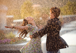 Singing and dancing in the Rain… im High School Musical 3